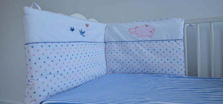 Zastosowanie ochraniaczy do łóżeczek niemowlęcych