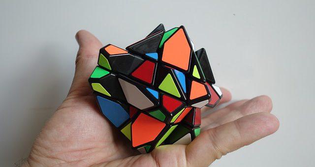 Jak ułożyć kostkę Rubika?